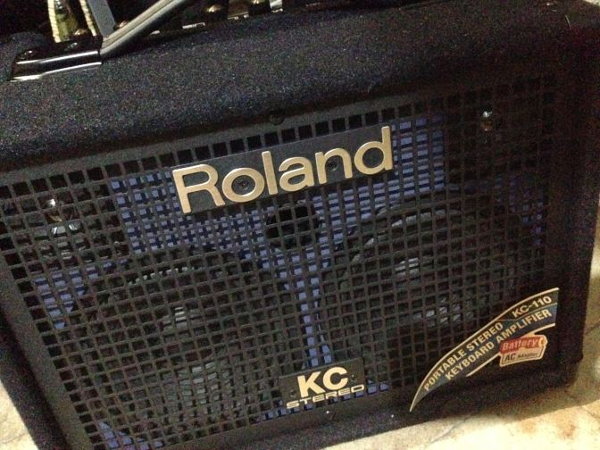 New Equipment bought: KC101 Roland M 新玩具: Roland KC-110 擴音器